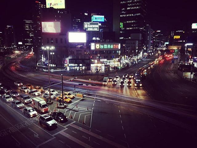 #huaweip10 #Seoul #nightwalk #leicaphotography