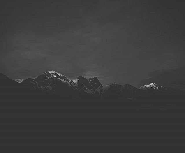 #blackandwhite #liecaphotography #mountains #huaweip10 #huaweiphotography #mobilephotography